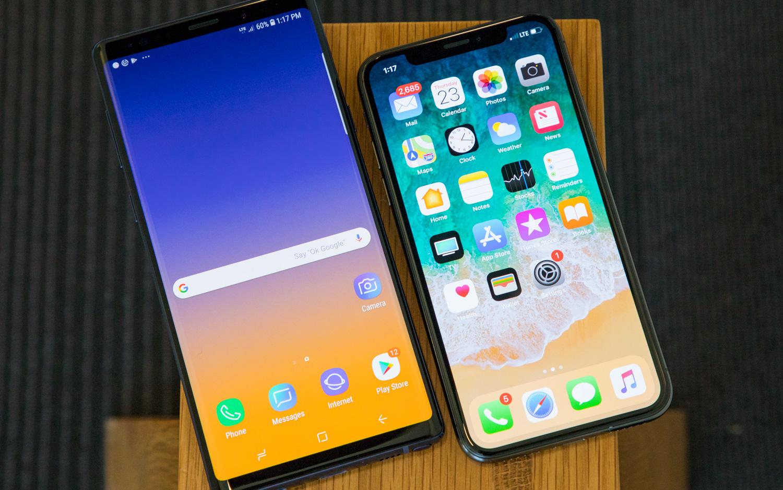 مقارنة بين تصميم الهاتفين