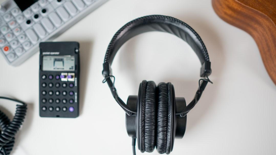 سماعات الرأس اللاسلكية